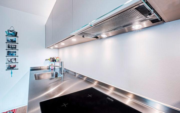 AIDO Nassraum an Küchenrückwand