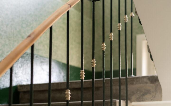 Treppenhaus Hopfenweg, Bern, innere Malerarbeiten